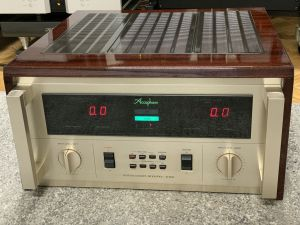 Accuphase P-600