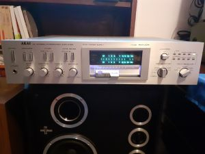 Amplificator Akai AM-U 04