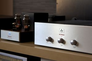 Audio Note M3 preamplifier with PHONO
