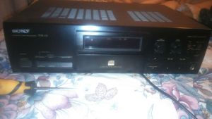 CD PLAYER cu ATMEL