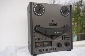 Magnetofon autorevers AKAI GX 636 Black edition