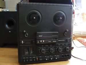 Magnetofon Philips 4512
