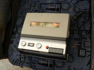 Magnetofon portabil teleton