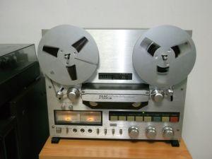 Magnetofon TEAC X 700 R