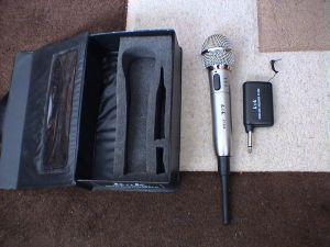 Microfon fara fir
