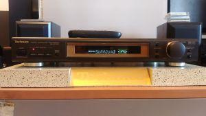 Procesor Technics SH-AC300 cu telecomanda. Poze reale!