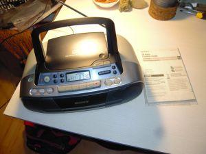 Radio casetofon recorder cu CD player Sony CFD-S01, manual, cu mici probleme