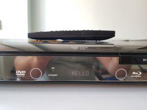 Sharp Aquos BD HP 20 blu ray player telecomanda