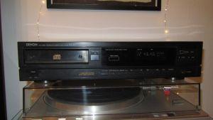 Stereo Compact Disc Player  Denon DCD-610