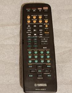 Telecomanda Yamaha prologic RAV304